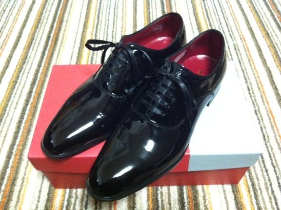 Regalのエナメル革靴(426RBD)のレビュー