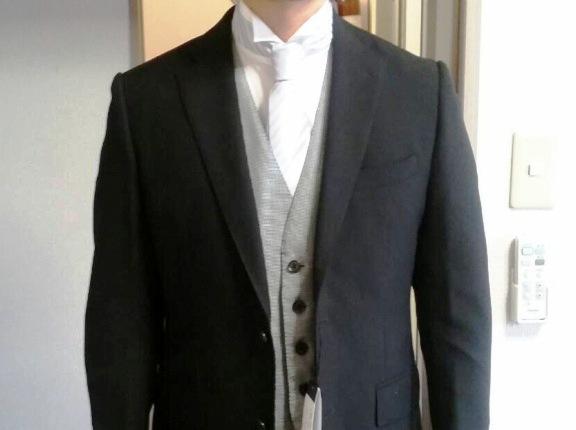 友人の結婚式でウイングカラーに普通のネクタイってありなの?